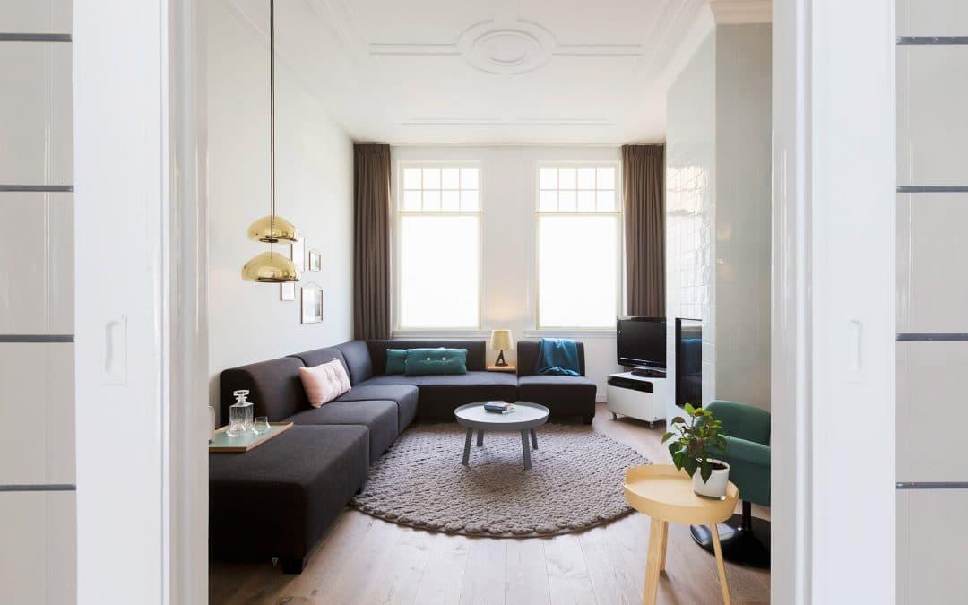 ¿Cómo decorar un salón pequeño y no fallar en el intento?
